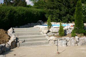 Aufgang zum Swimmingpool