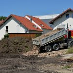 Baugrube der beiden Doppelhäuser inkl. Tiefgarage fertig