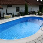 Fertiger Swimmingpool